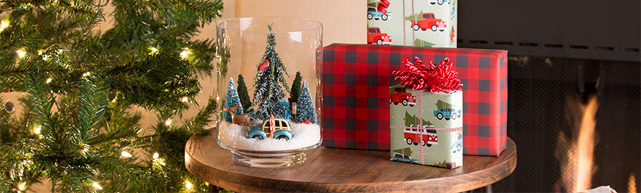 Home for the Holidays: DIY Holiday Showpiece